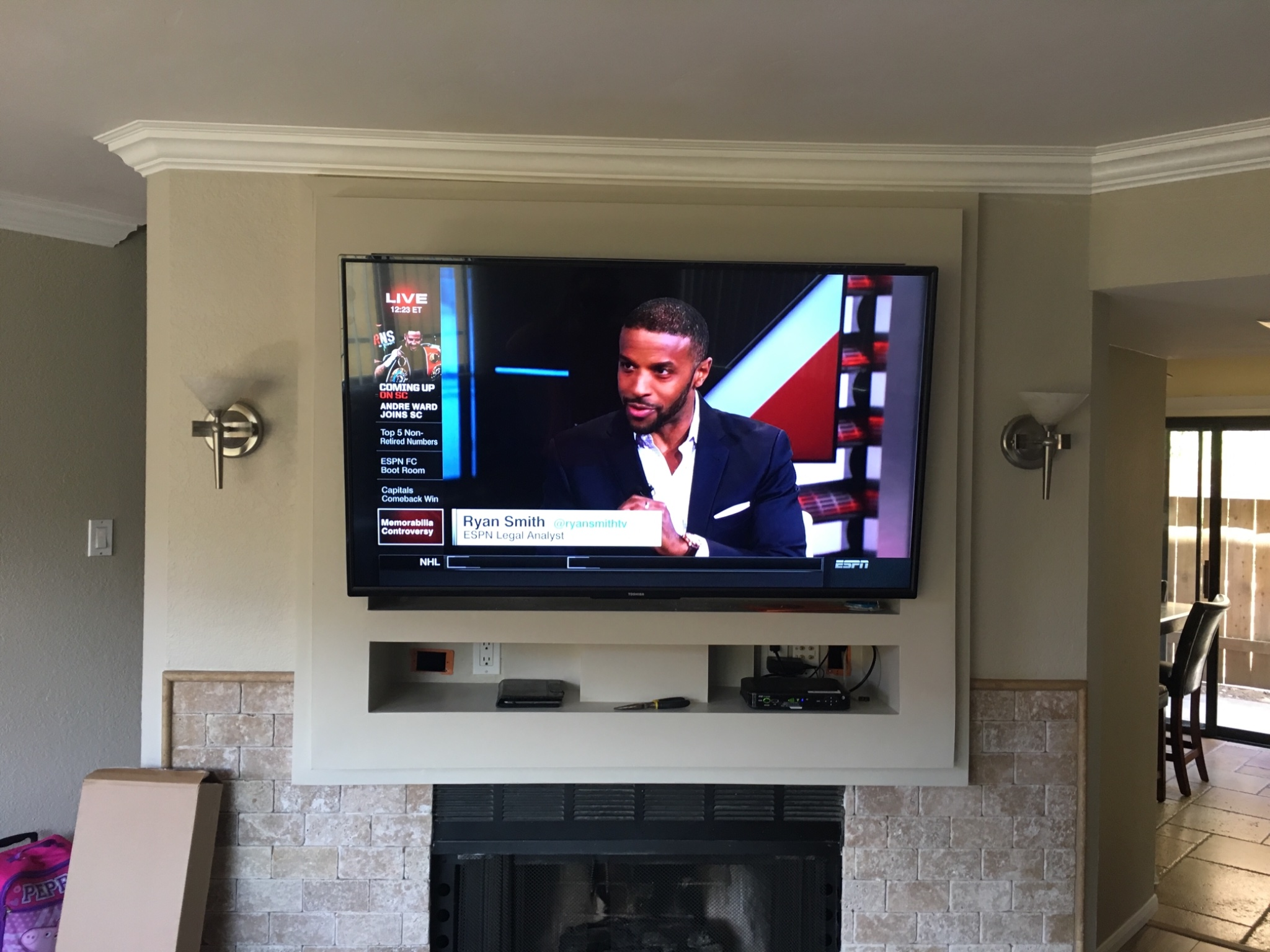 100 mounting a tv over the fireplace 25 wall mounted tv ide